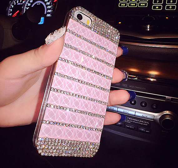 Fantastic Swarovski iPhone 6 Cases Available Online
