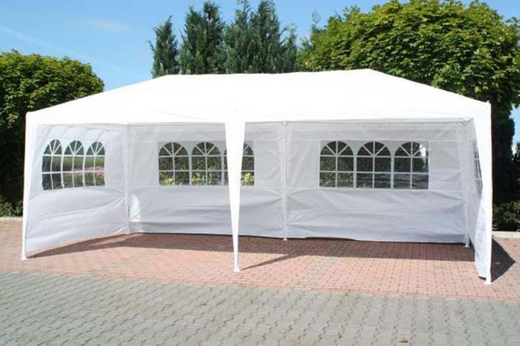 How To Arrange A Party By Outdoor Inflatable Tents
