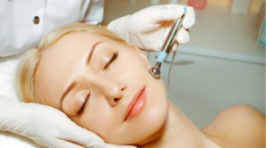 A Definitive Guide To Become A Cosmetic Dermatologist
