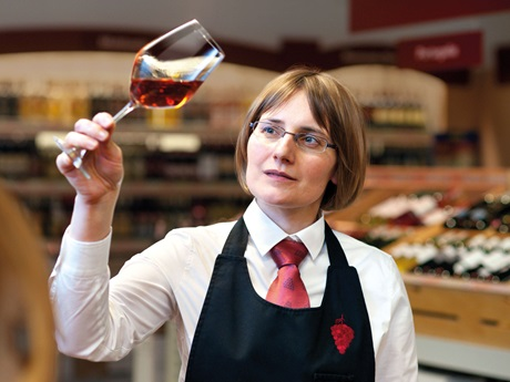 Advantages Of Hiring French Wine Specialist