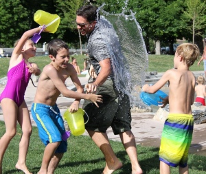 Swimming Fun: 5 Pool Games For You and Your Family