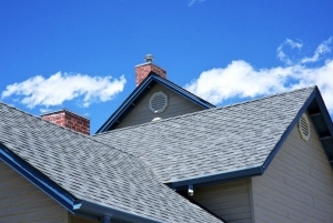 The Sky Is Falling: 5 Signs Your Old Home Needs Roof Replacement