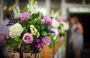 Best Gifting Items For Your Friend's Wedding Anniversary