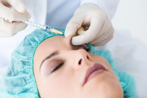 Feel Refreshed and Look Youthful With The Right Cosmetic Injections