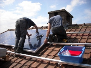 How Your Small Business Can Save Money by Going Solar