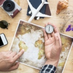 7 Best Travel Guide Apps to Install On Your Phone